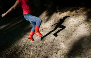 shadow-jump-girl-boots-615347.jpeg